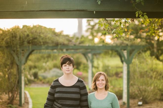 PaperFoxStudio-Brisbane-NewFarmPark-lesbian-engagement_0012