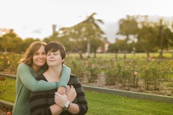 PaperFoxStudio-Brisbane-NewFarmPark-lesbian-engagement_0015